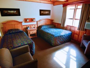 Classic Room 108 (twin+full)