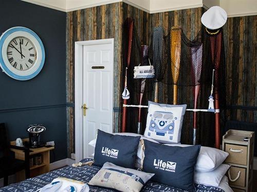 Crown Premium SeaView Room 6