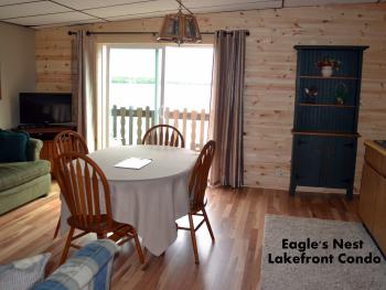 Condo-Ensuite-Premium-Lake View-Eagle's Nest - East