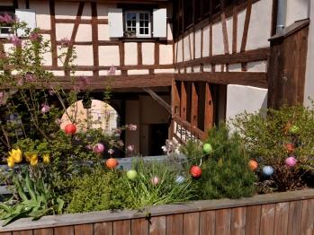 Vue sur la cour intérieure depuis la terrasse commune