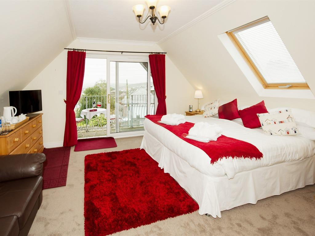 Double or Twin-Ensuite-Polzeath Room
