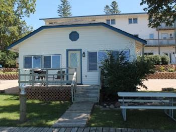 Waters Edge-Cabin-Lake View-Family-Private Bathroom