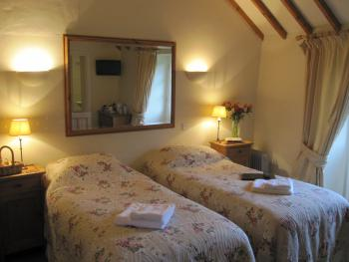 Twin en-suite garden room