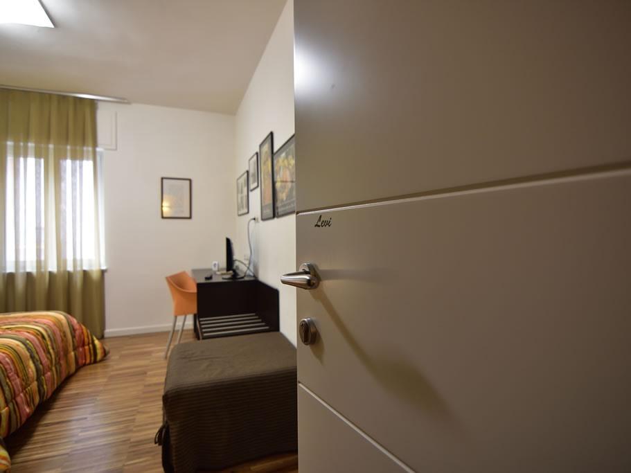Matrimoniale o doppia-Standard-Bagno in camera con doccia-con un letto aggiunto
