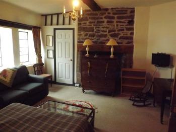 Double room-Ensuite-Front Bedroom