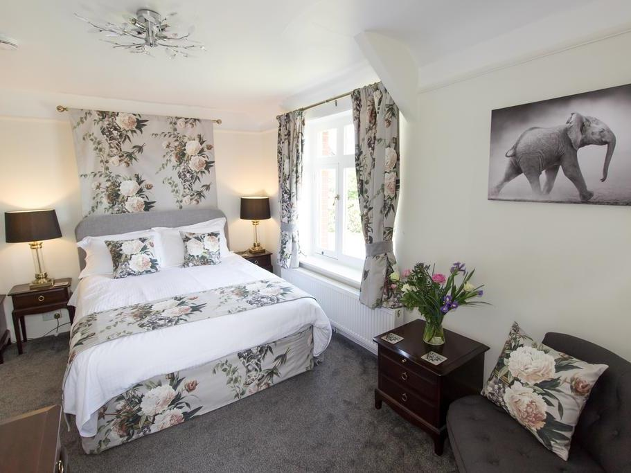Luxury King Room with En Suite