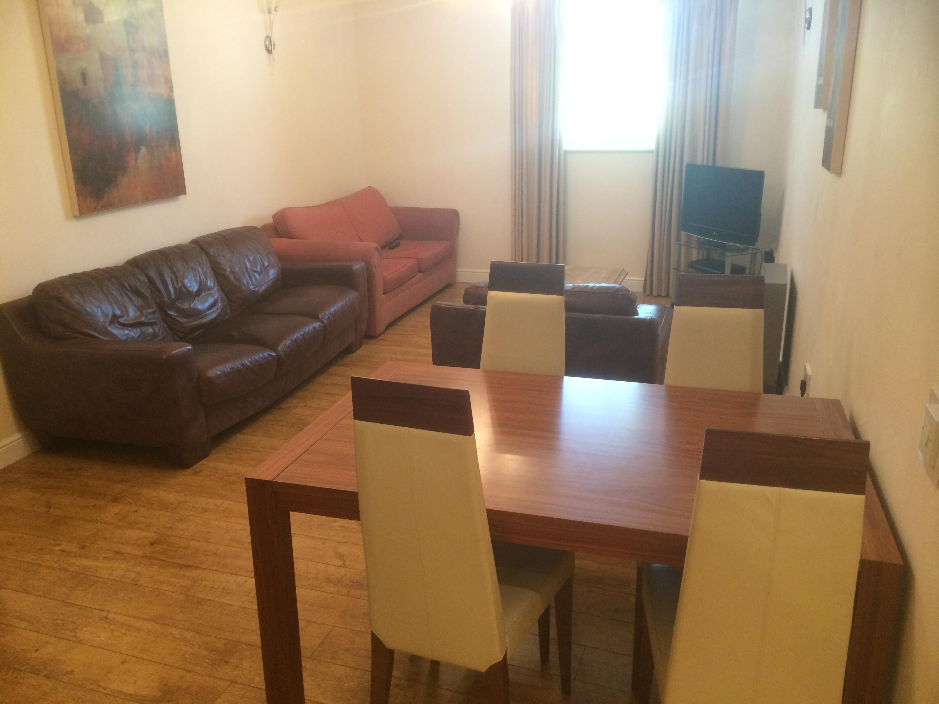 Apartment-Private Bathroom-Fully Serviced 3 Bed