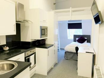 Studio-Apartment-Ensuite-City View-Twin  - Base Rate