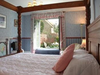 Double room-Ensuite-Garden View-Four Poster