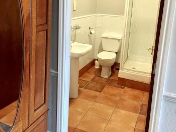 room 2 (Bathroom)