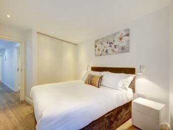 Apartment-Private Bathroom-1 Bed Apartment