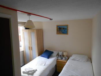 Twin room-Ensuite- Room Only