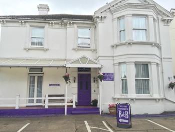 Brunton House - Guest House