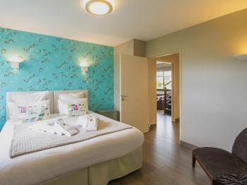 Villa-Prestige-Salle de bain et douche-Vue sur Jardin-Villa de Vacances