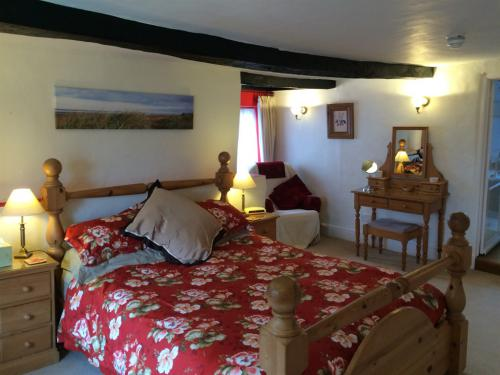 King Size Double Room with En-suite Bathroom First Floor