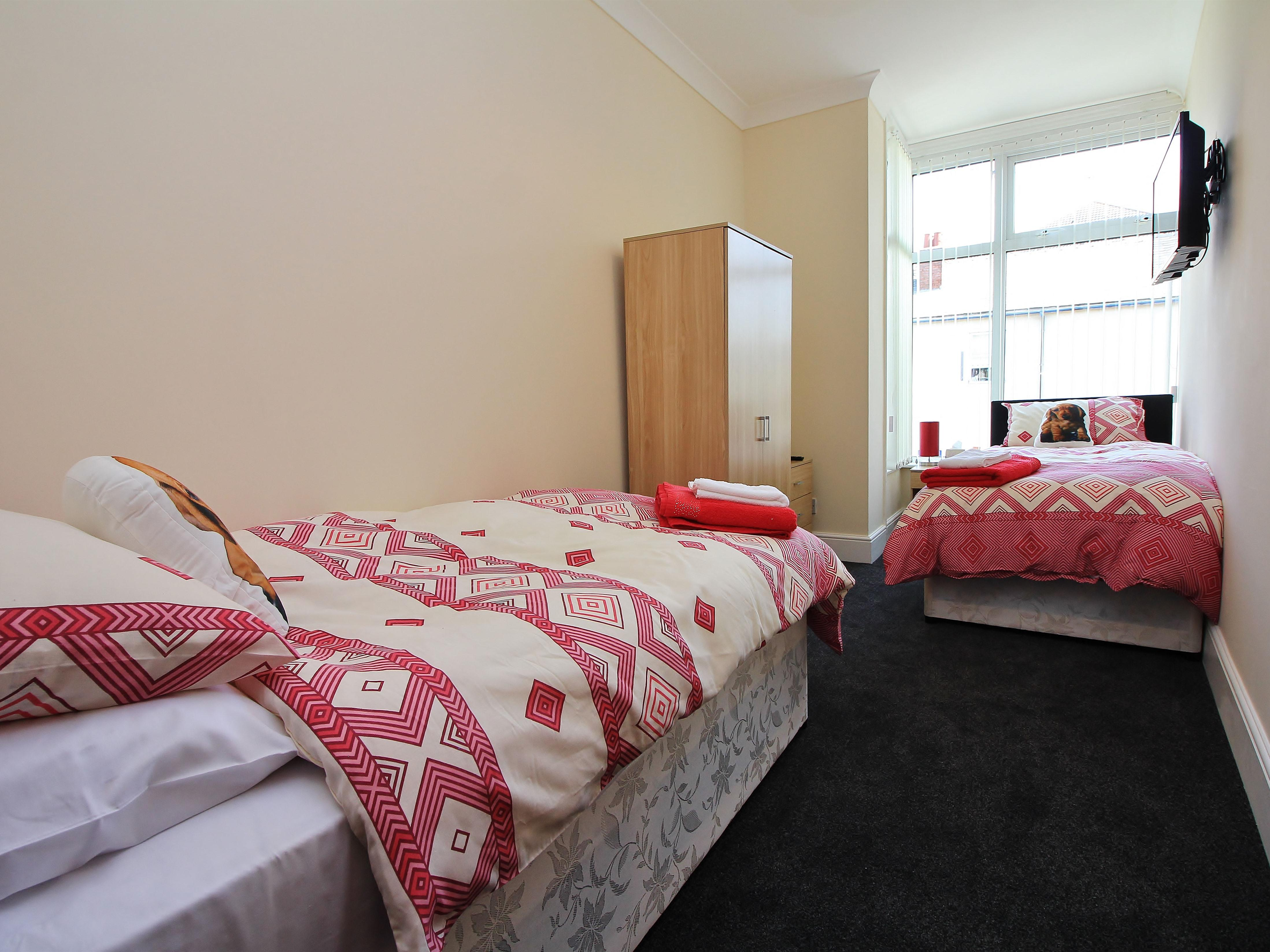 Twin room-Ensuite with Shower-Dog friendly