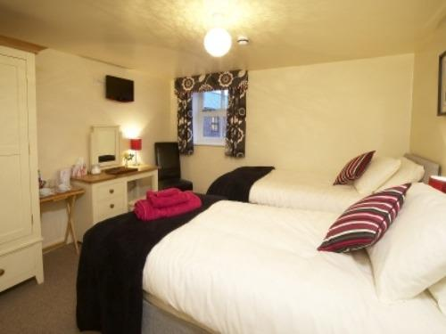 Southburn Room | Double or Twin (wet room) | Disabled Access