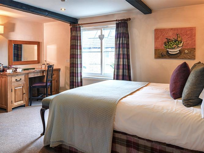 Double room-Ensuite-Willow or Walnut - Base Rate