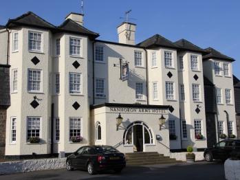Nanhoron Arms Hotel -
