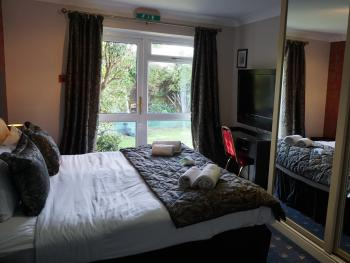 Double Deluxe-Ensuite-Garden Room without Breakfast