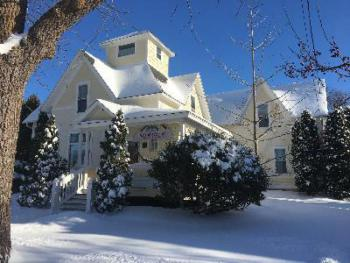 Winter is here and it is a great time to visit!   The Black Walnut Guest House offers a unique lodging experience. Situated in a quiet neighborhood a few blocks to Sturgeon Bay's Historic downtown whe