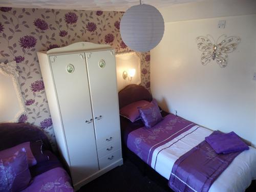 Family room-Standard-Ensuite-Sleeps 5