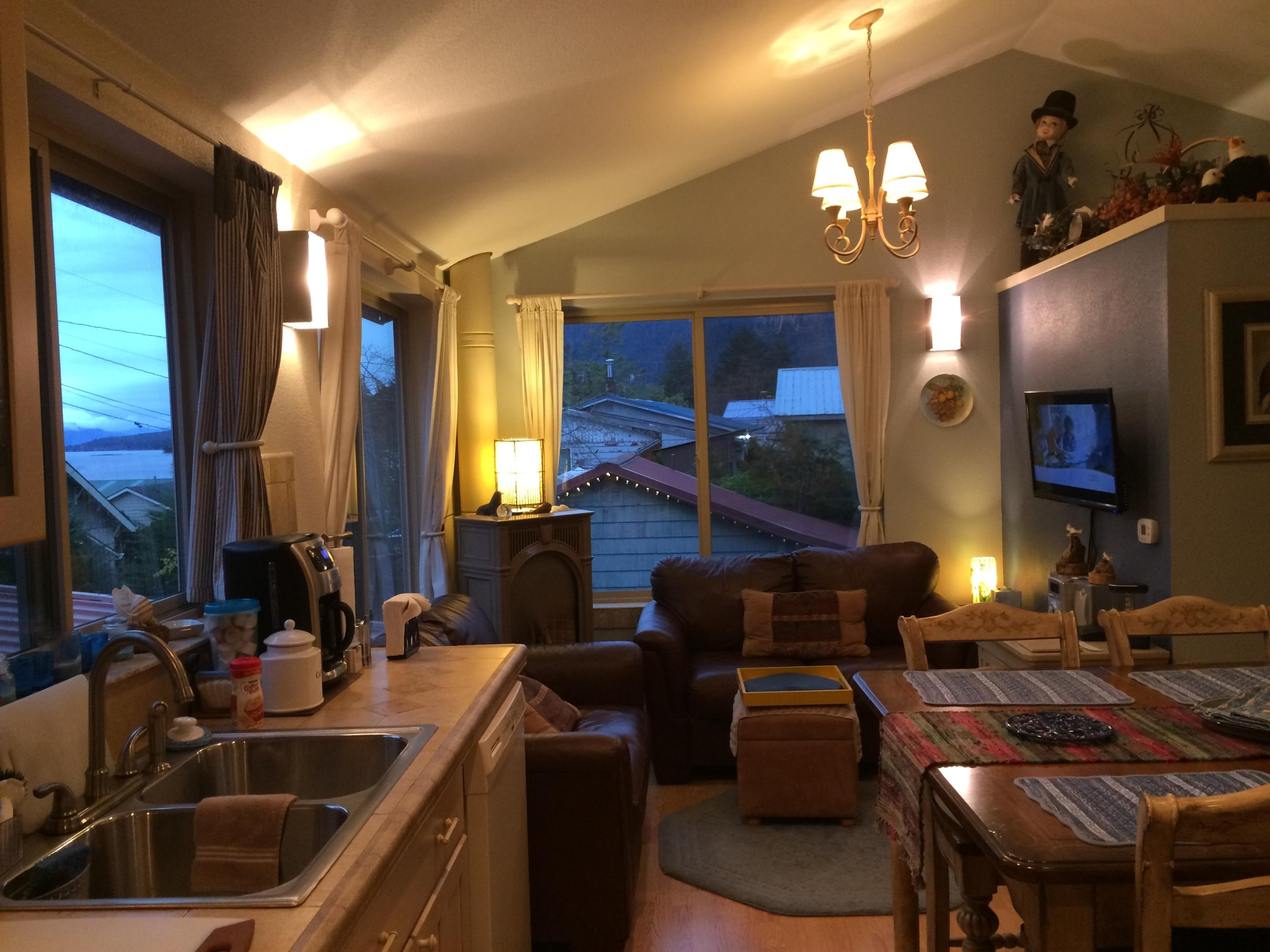 Eagles Nest Apartment-Quad Room-Private Bathroom-Luxury-Ocean View