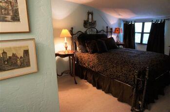 Rheingold - Queen guestroom