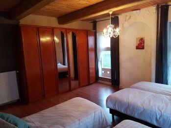 Schlafzimmer 1, Kleiderschrank