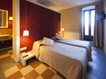 Doble con dos camas-Baño con ducha-Terraza-106