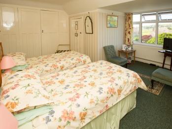 Twin bedded en suite room