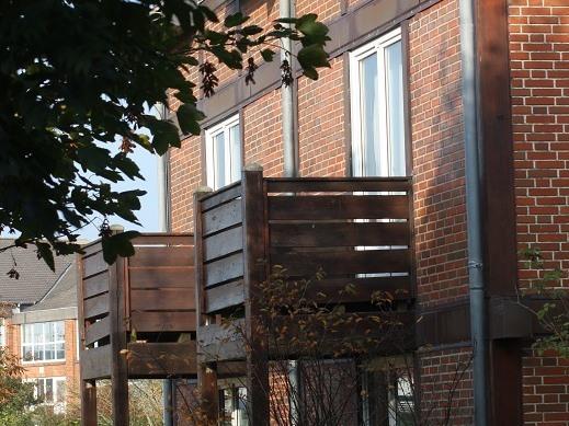 Apartment-Modern-Eigenes Badezimmer-Balkon
