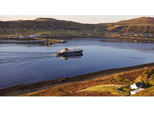 MV Hebrides in Uig bay