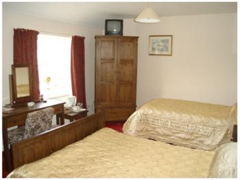 Family room-Ensuite-2 Adults & 1 Child