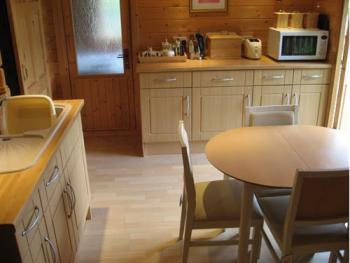 Cabin kitchenette & table