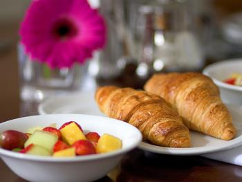 Great breakfast. Enjoy a Full English (vegetarian option available) fresh fruit salad, smoked salmon and bagels and more
