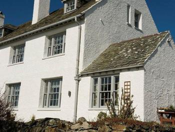 The wing of Coastal Cottage with adjoining Garden Room