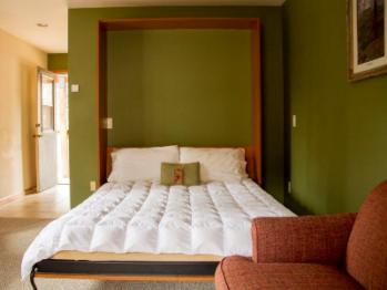 Single room-Private Bathroom-Basic-River view-Basic Room - Upper L - Base Rate