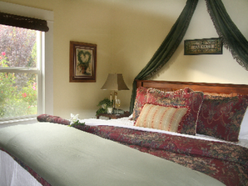 Pinot Noir's guiet private bedroom