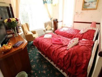 Double room-Ensuite with Shower-Groundfloor