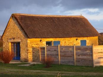 Cottage-Confort-Douche-Vue sur Piscine-La Chaumière