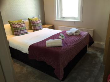 Double room-Ensuite-Small Double Room w/o bf - Base Rate