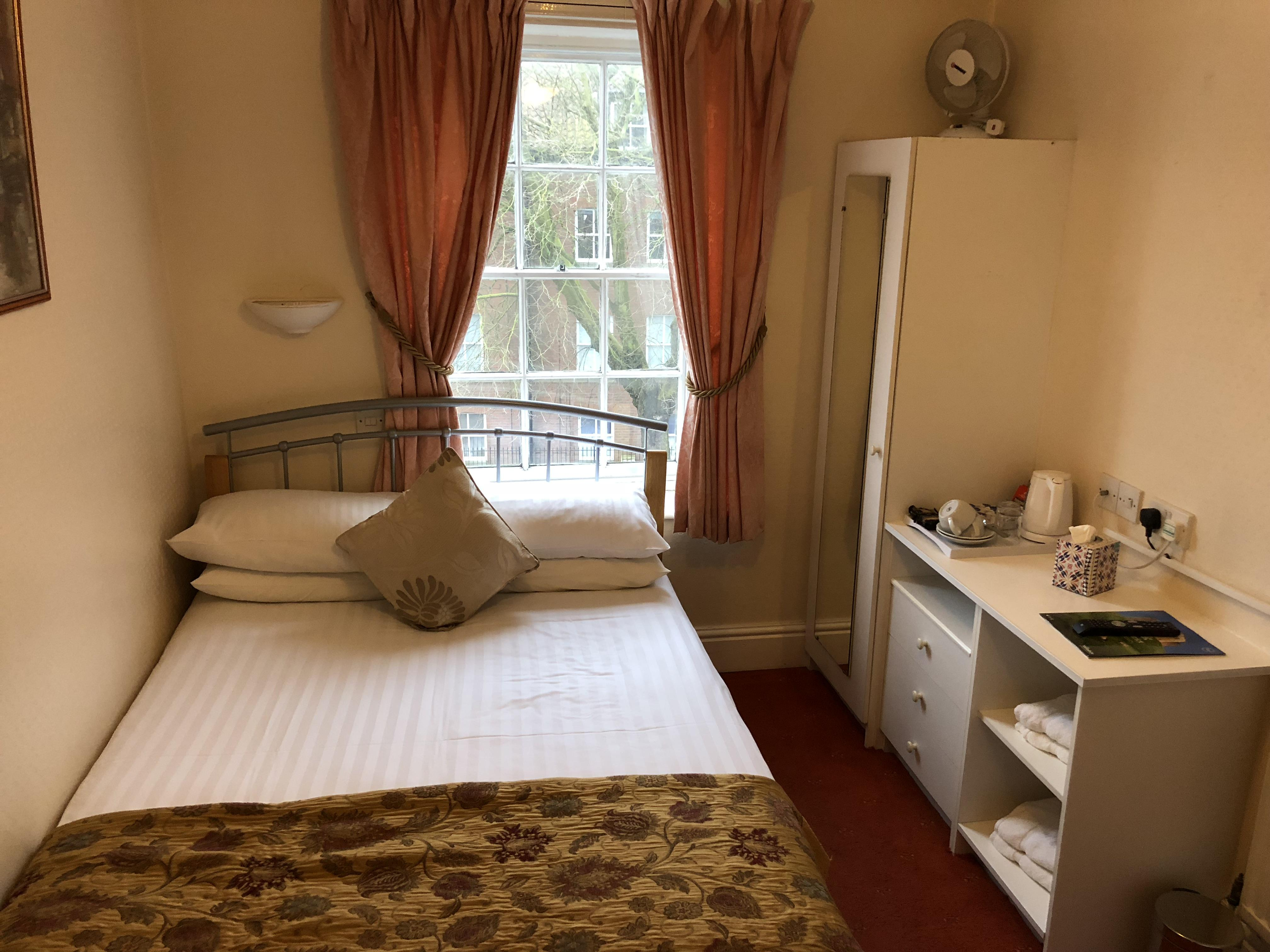 Double room-Budget-Private Bathroom