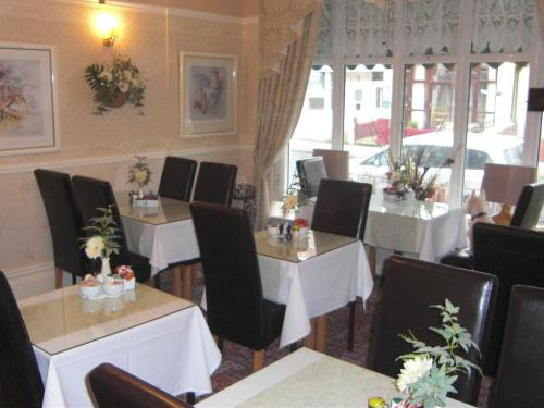 Dining Room , Air Conditioned in Summer Months