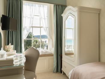 Single room-Private Bathroom-Pendower - Sea View