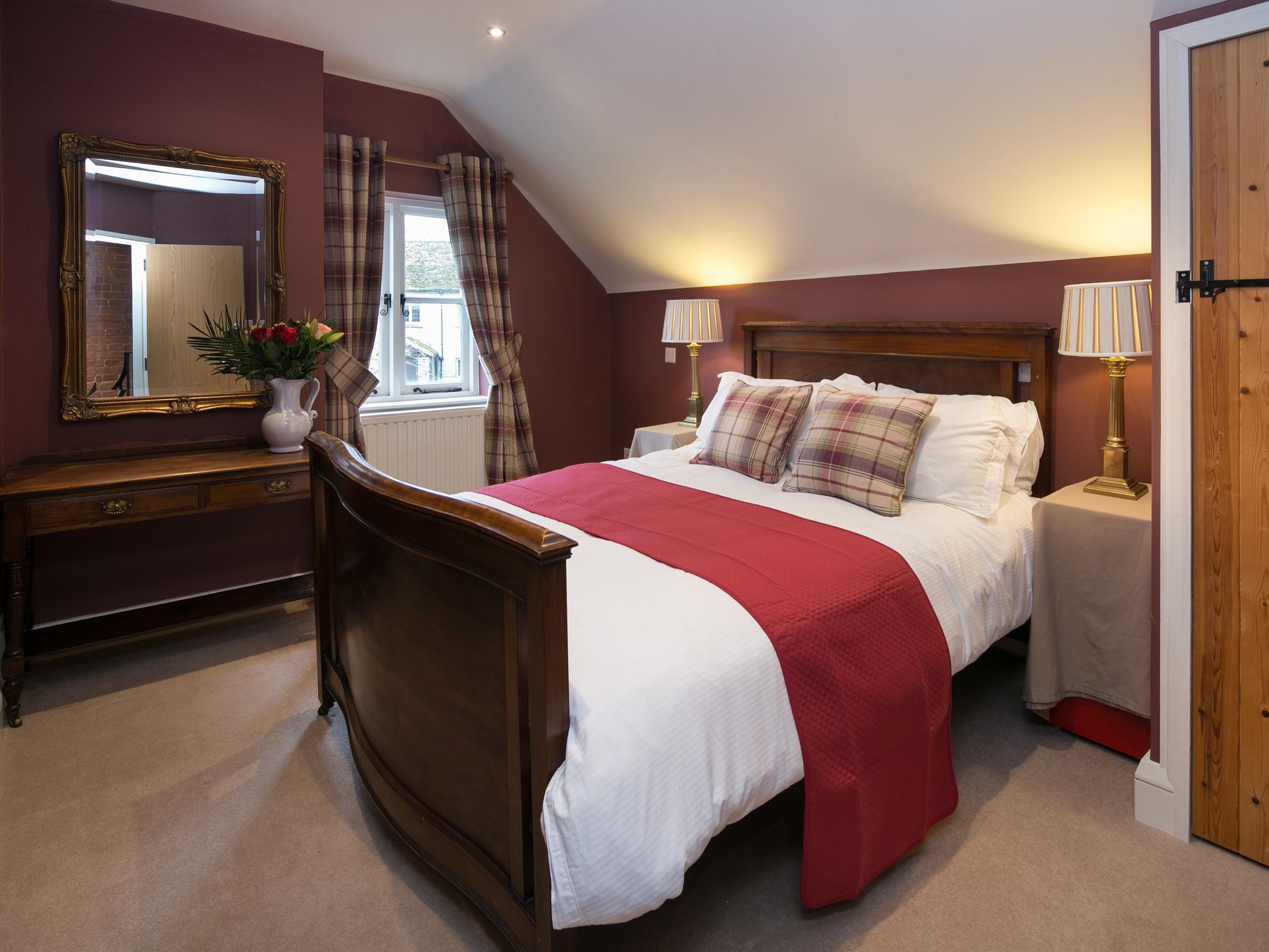 Double room-Standard-Ensuite-Garden View-Cherry - Base Rate