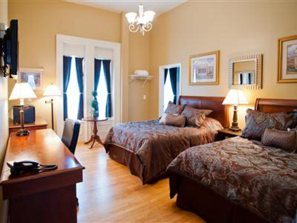 Double room-Standard-Private Bathroom-210- 2 Full Size Beds