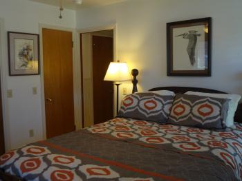 Lake Home  (2 Bedroom)-Quad room-Ensuite-Classic
