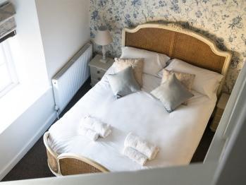 King Size Mezzanine En-Suite