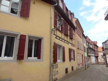 Façade et rue de la maison Bartholdi et Little Venice